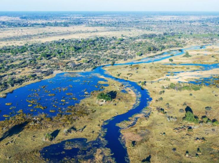 africa_botswana_landscape_the_view_from_an_aircraft_flying_over_the_okavango_delta_in_africa