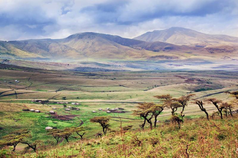 africa_tanzania_maasai_houses_in_the_valley