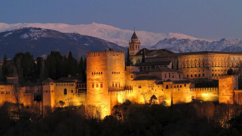 alhambra_at_dusk_granada_andalusia_spain