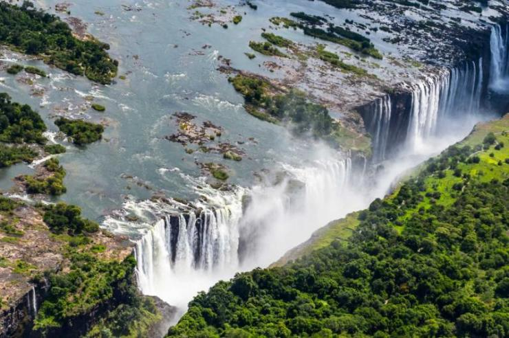 amazing_air_view_of_the_victoria_falls_zambia_and_zimbabwe._unesco_world_heritage