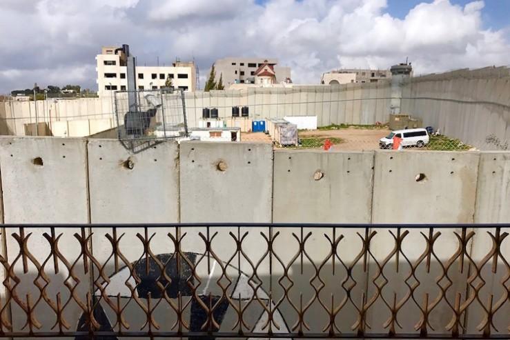 banksy-border-wall-hotel-1