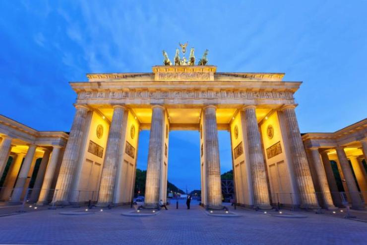 berlin_brandenburg_gate_at_night_berlin_germany
