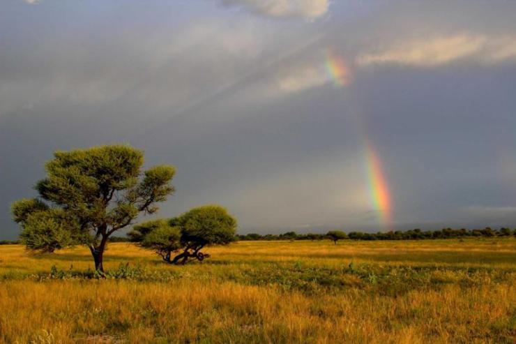 botswana_kalahari_tour_kalahari_sunset_with_rainbow