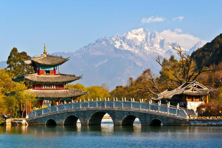 china-lijiang-black-dragon-pool-park-jade-dragon-snow-mountain