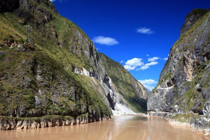 china-yunnan-lijiang-tiger-leaping-gorge