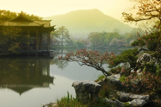 china_hangzhou_tour_majestic_view_west_lake_0