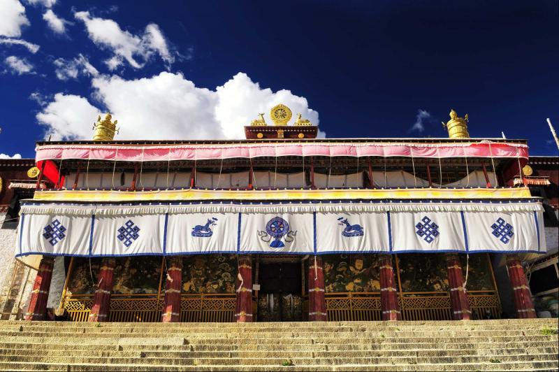 china_lhasa_tour_jokhang_temple