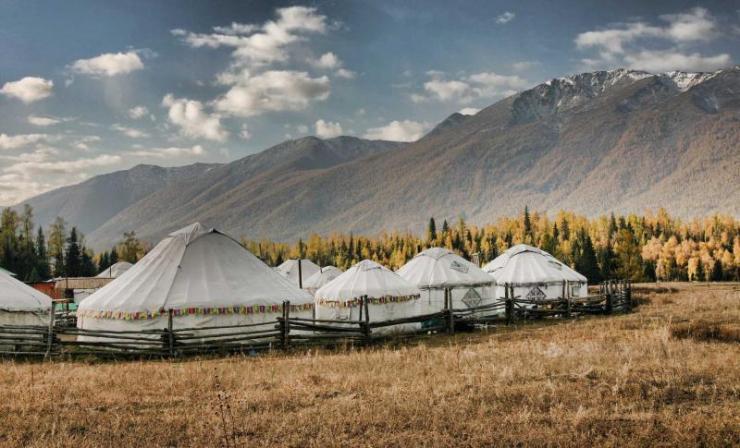 china_northern_silk_road_tour_yurts_in_xinjiang_0