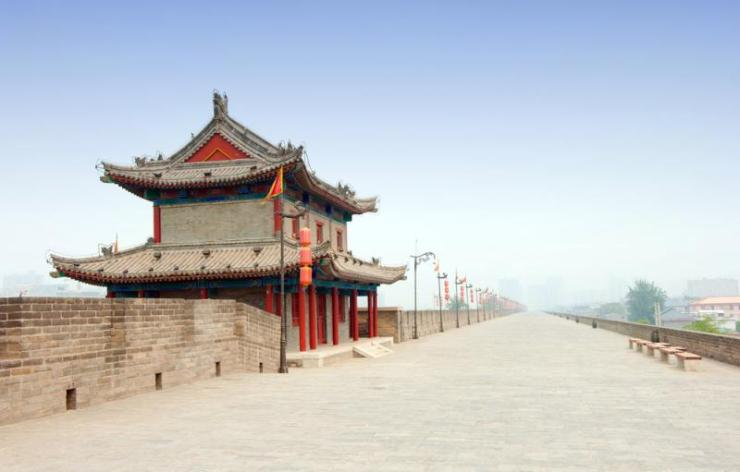 china_xian_tour_ancient_tower_on_city_wall_in_china