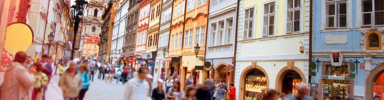 czech_republic_prague_street_people