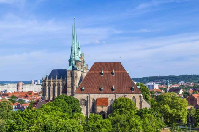 dom_hill_of_erfurt_germany_in_afternoon_light_0