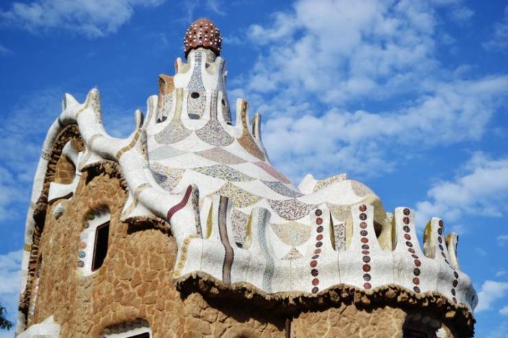 fairy_tale_house_in_park_guell_barcelona_spain