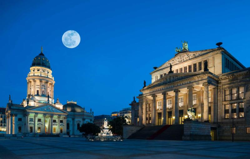 germany-berlin-gendarmenmarkt-square-harvest-moon