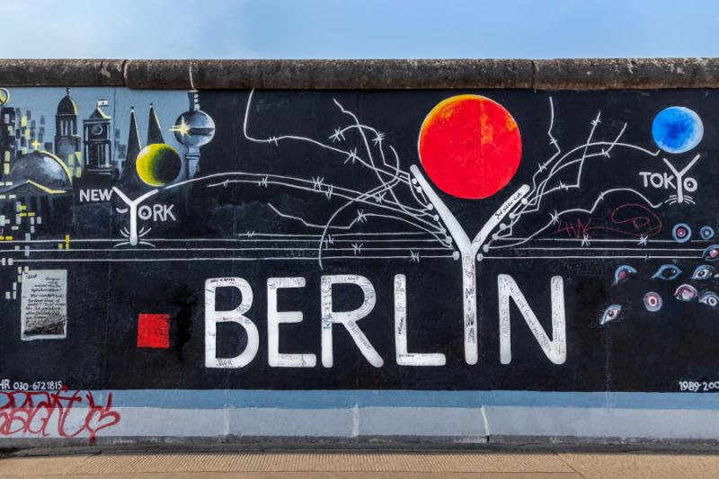 germany_berlin_berlin_wall_graffiti_e