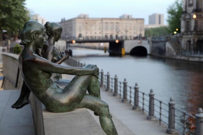 germany_berlin_tour_street_sculptures1