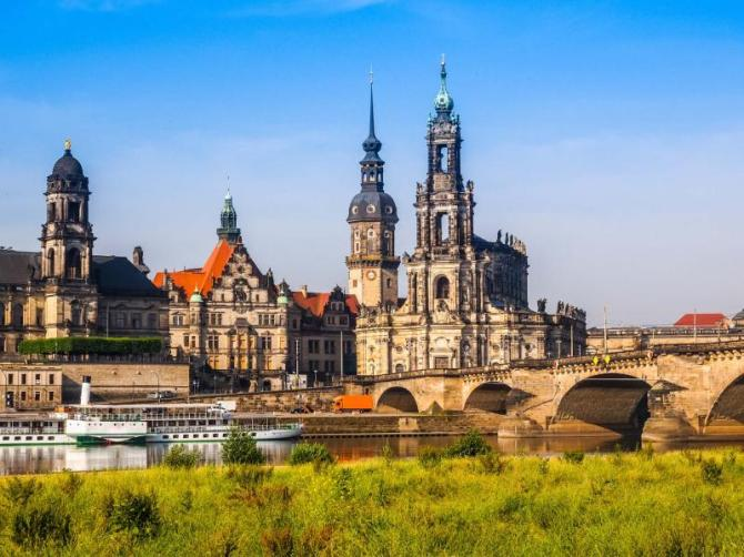 high_dynamic_range_hdr_dresden_cathedral_of_the_holy_trinity_aka_hofkirche_kathedrale_sanctissimae_trinitatis_in_dresden_germany