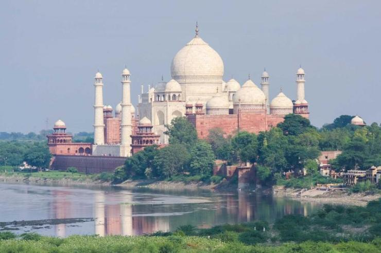 india_agra_view_from_agra_fort_on_the_taj_mahal-e