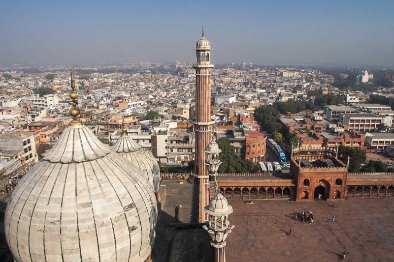 india_delhi_dome_an_minaret_of_jama_masjid_mosque_in_delhi