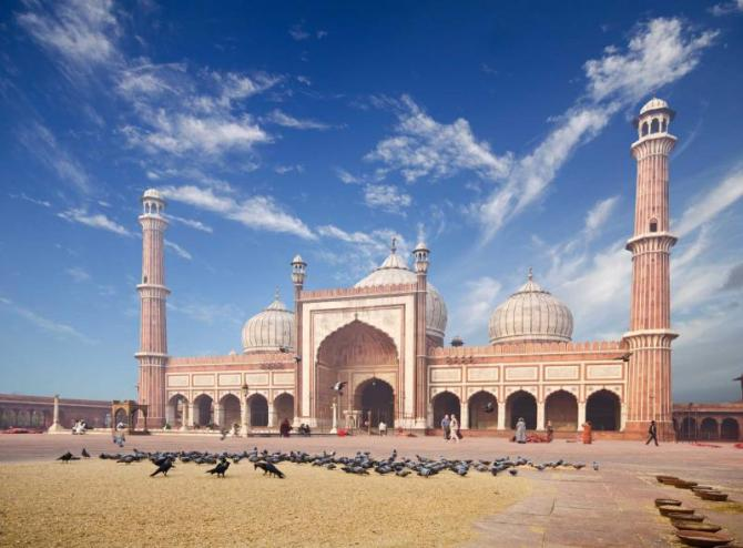 india_delhi_the_spectacular_architecture_of_the_great_friday_mosque