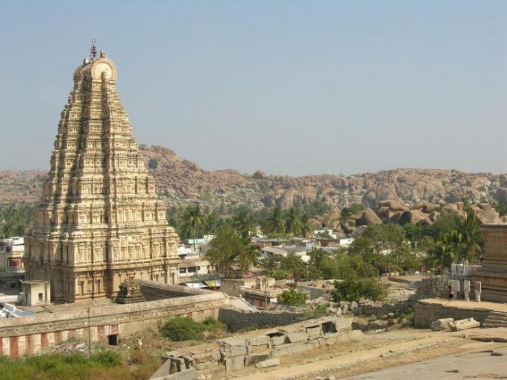 india_hampi_tour_virupaksha_temple-1