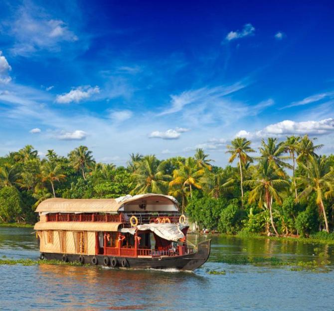 india_kerala_backwaters