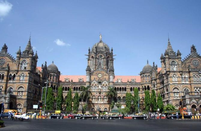 india_mumbai_tour_railway_station_old_bldg