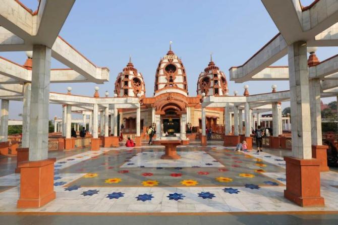 india_new_delhi_hare_krishna_temple_india_0