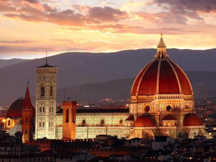 italy_florence_tour_florence_cathedral_at_dusk_-_crop