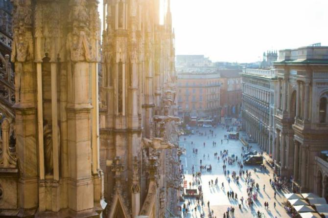 italy_milan_beautiful_view_from_the_rooftop_of_duomo_cathedral_milan