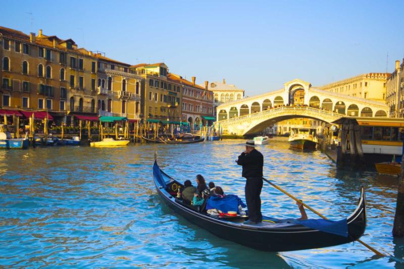 italy_venice_boat