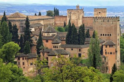 panorama_view_of_alhambra_palace_as_seen_from_generalife_granada_andalusia_spain