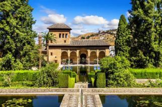 partal_palace_in_la_alhambragranada_spain