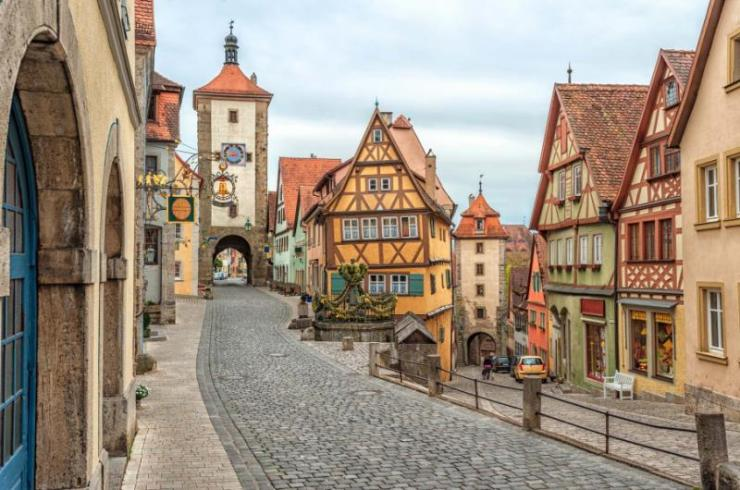 rothenburg_ob_der_tauber_famous_historical_old_town_germany_europe