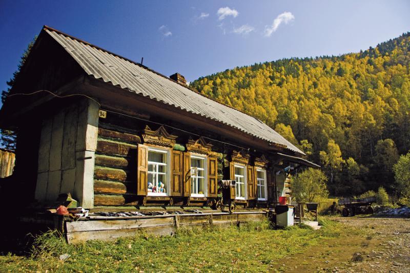 siberia_wooden_house_felix_willeke_-_x
