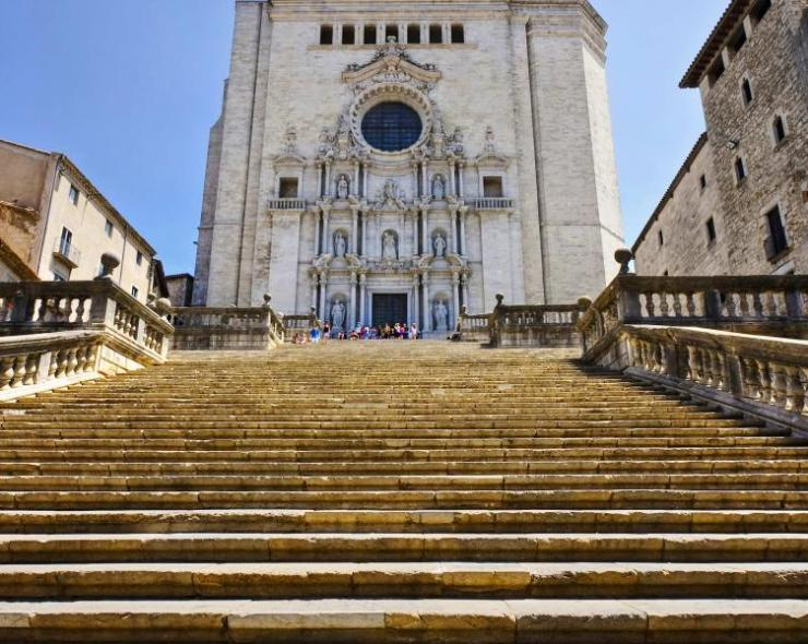 spain_view_of_girona_cathedral._catalonia._spain