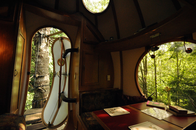 spherical-tree-houses-free-spirit-treehouse-7