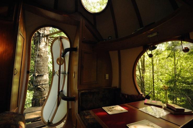 spherical-tree-houses-free-spirit-treehouse-7