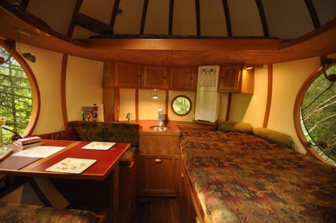 spherical-tree-houses-free-spirit-treehouse-9