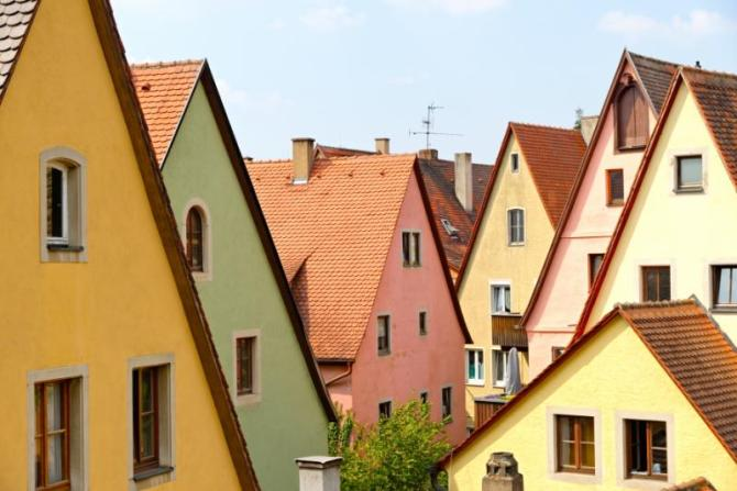 traditional_architecture_in_rothenburg_ob_der_tauber_in_germany._it_is_one_of_the_best-preserved_medieval_towns_in_europe_part_of_the_famous_romantic_road_tourist_route_0