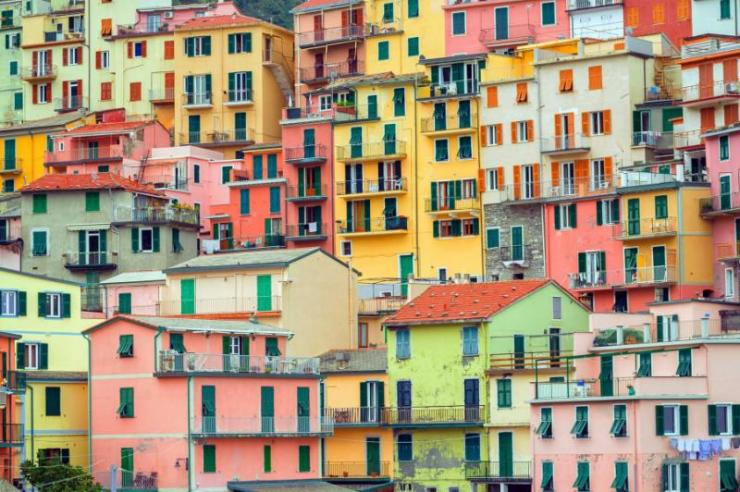 traditional_colorful_italian_houses_manarola_cinque_terre_italy_0
