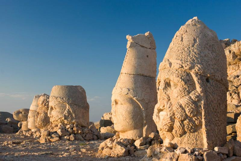 turkey-anatolia-nemrut-dagi-heads