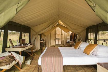 africa-serengeti-_safari_camp-_bed_0