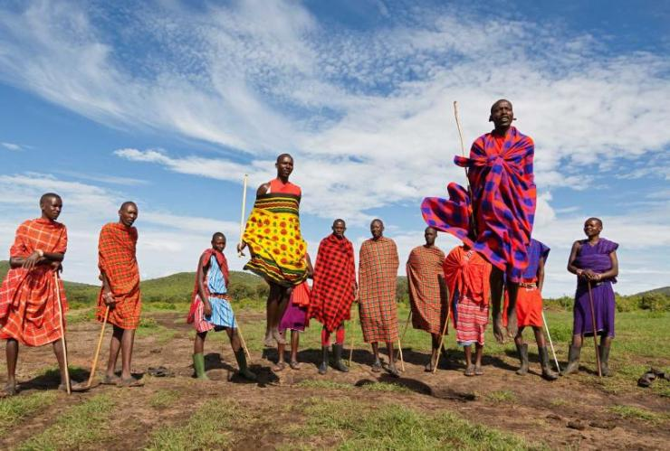 africa_kenya_masai_mara_dance_and_participate_in_traditional_jumps_1