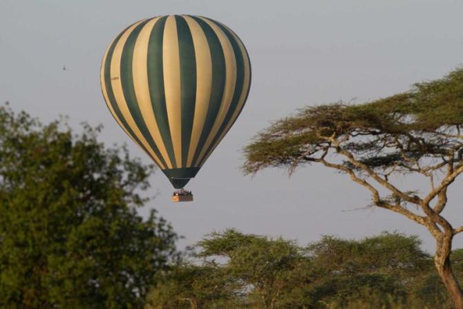 africa_tanzania_balloon_in_serengeti_in_africa