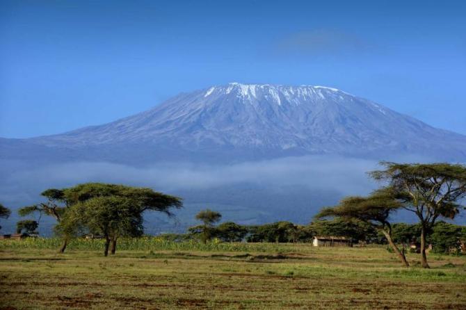 africa_tanzania_snow_on_top_of_mount_kilimanjaro_in_amboseli_0