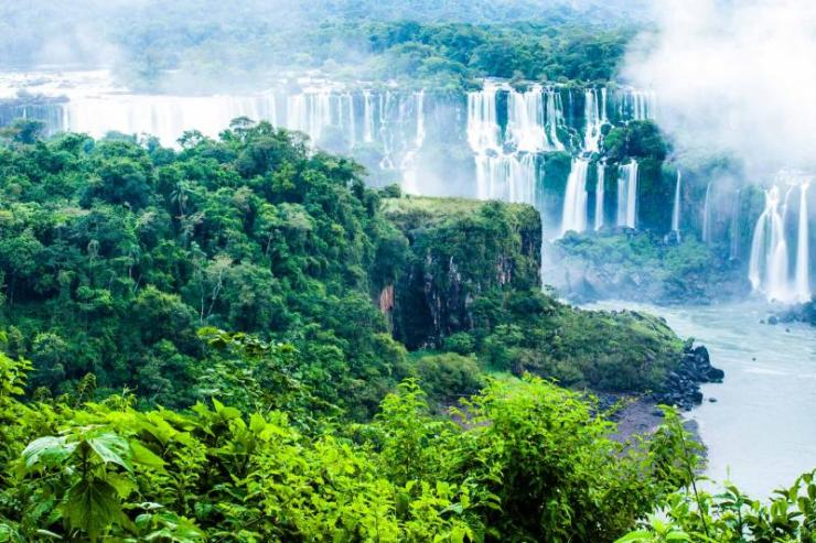 argentina-iguazu-falls-view-from-brazil-side