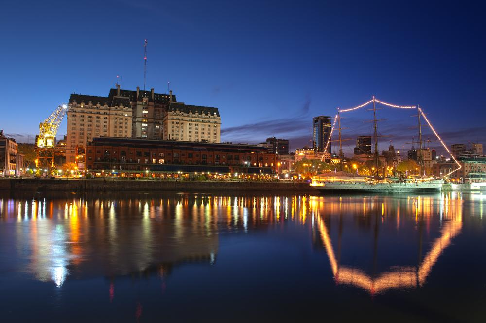Argentina_Buenos_Aires_Tour_Puerto_Madero_Neighborhood_at_Night_-_latin_discover