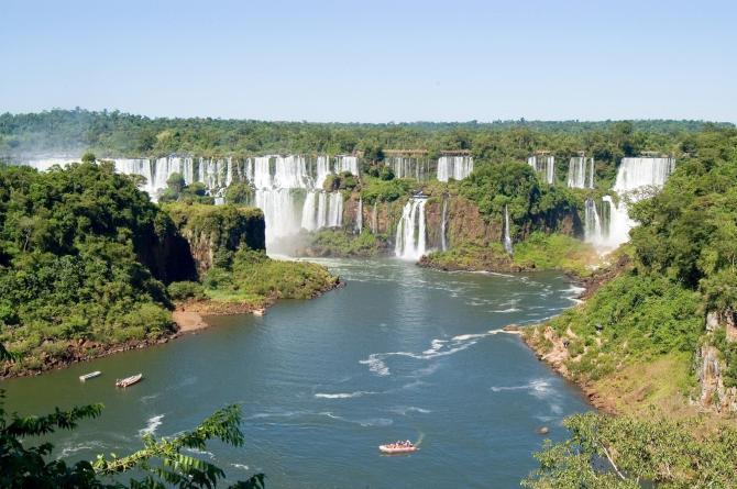 Argentina_Iguazu_Falls_Tour_Waterfalls_-_say_hueque_latin_discover_eureka_travel