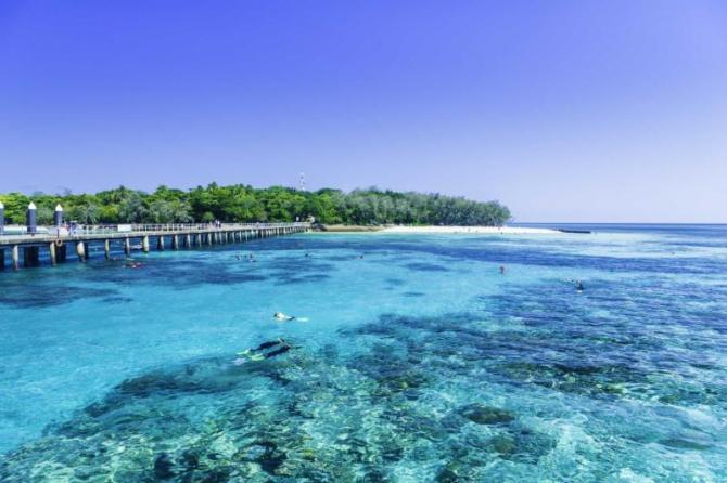 australia_great_barrier_reef_blue