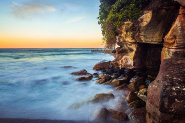 australia_sydney_bondi_beach_beautiful_sunset_and_waves_0